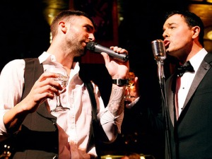 Adam Levine and Seth McFarlane singing at Emmys Party 2009